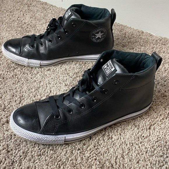 Converse Chuck Taylor Street Leather Sneaker
